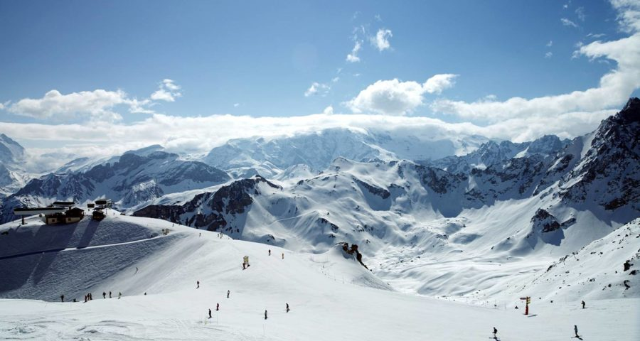 Ready to Go on Holiday? Consider Skiing for Adventure and Relaxation